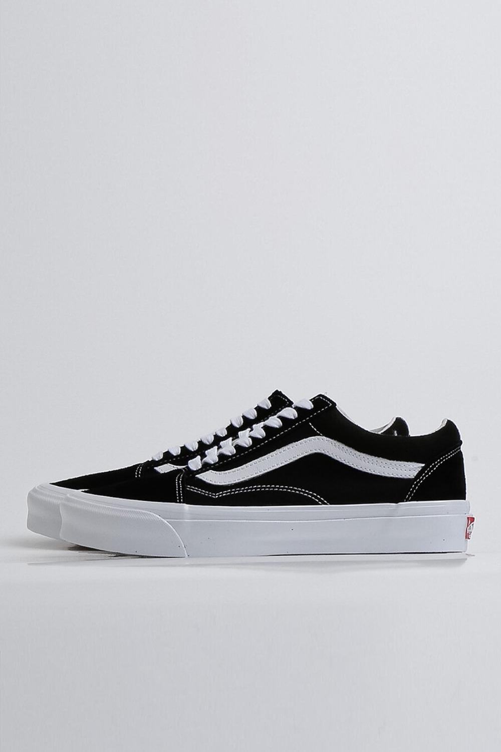 (RESTOCK)OG OLD SKOOL LX(SUEDE/CANVAS) BLACK/TRUE WHITE (VN0A4P3XOIU1)