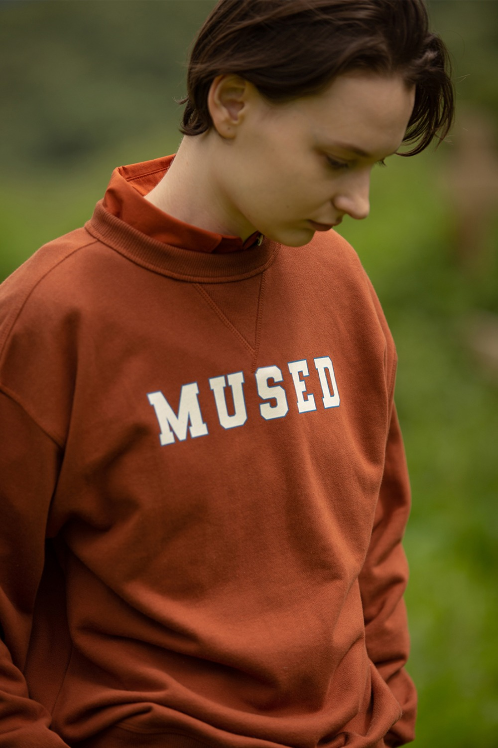 MUSED CLASSIC SWEAT SHIRT BRICK BROWN