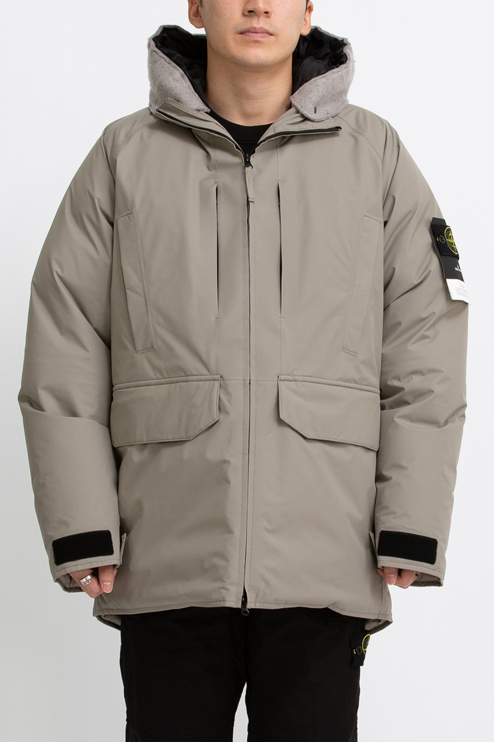 RIPSTOP GORE-TEX PRODUCT TECHNOLOGY DOWN BEIGE