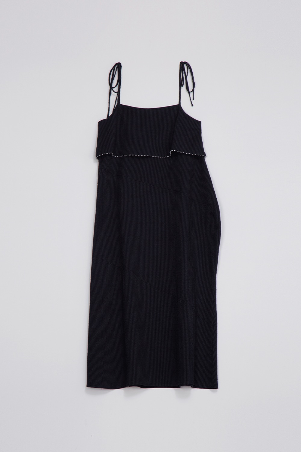 EN FETE SLIP DRESS - BLACK SEERSCUKER